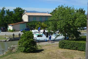 Canal Du Midi - Lock keepers cottage.