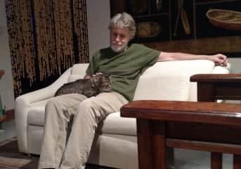 Buck the cat found a new friend