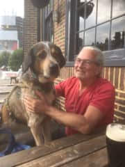 Brigthon, England : My lovely dog Rusty and I in front of Pub.