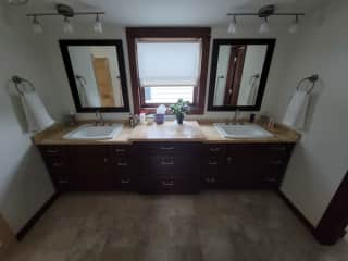 Master Bath (Upstairs) - Not pictured is walk in shower + water closet