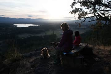 Sunset Hike with Sukha and Arwyn overlooking the Cowichan Valley