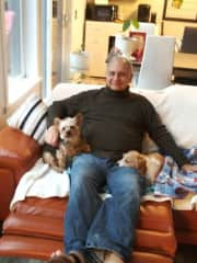 Steve with 2 precious adorable dogs, Marley and Zoe during a housesit at Lake Cushman WA. Such a calming relaxing experience.   January 2020      during a houesit