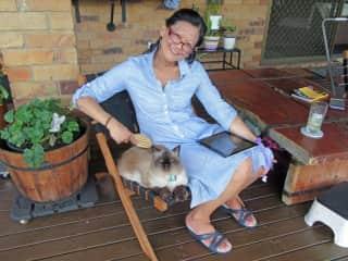 Brushing Mia out on the deck (Brisbane, Australia)