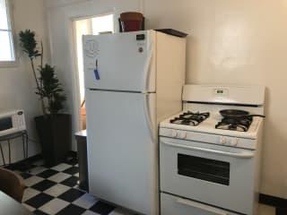 fridge & stove