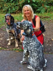 With two beautiful dogs on a hiking trail in Hawaii