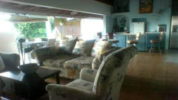Living, bar, verandah
