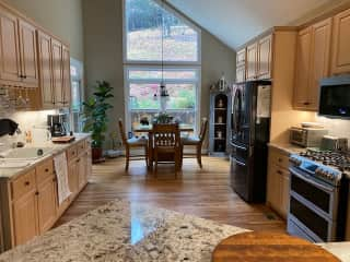 Large kitchen and breakfast area.