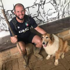 Paddy on a hike with Lassie in Colombia!
