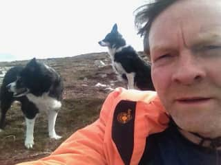 A windy hike with Siog and Lugh.