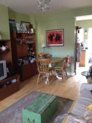 Sitting room / dining: A comfy 3 seater sofa which also pulls out to a bed plus 2 mid century modern upholstered lounge chairs. A mid century modern dining table extends to seat 8 but we only have 4 chairs. There is a flat screen television with cable.