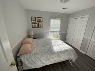 Guest bedroom. More pillows and linens available. Queen sized bed.