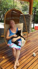 Tres, the 3-legged dog from our housesit in Costa Rica, was so cuddly!