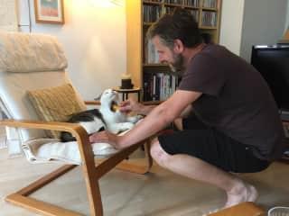 Michiel bonding with Lenny.