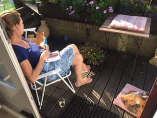Enjoying the sunshine with 2 cats in Holland