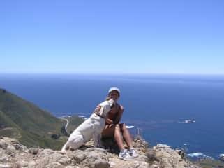 Lisa and Gemma hiking in California