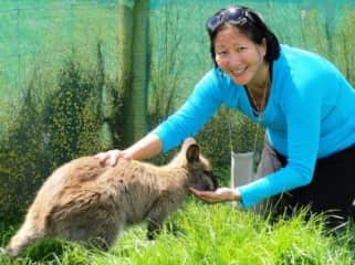 Lisa and Wallaby in Waimate, NZ