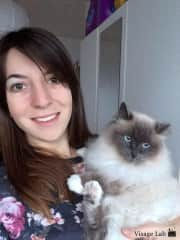 Morgane and her cat Alkena