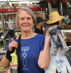 Judy volunteering in Jerusalem