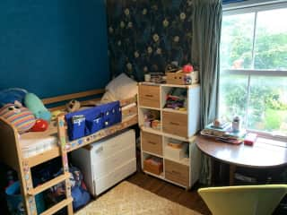 Child's bedroom with twin-sized bed.