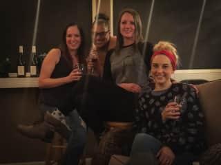 Friends & Wine