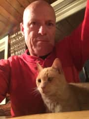 Garry with his favorite kind of cat, a Manx, Aug 2017 while spending a month in Alaska