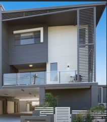 3 bedroom townhouse with 2.5 bathrooms.