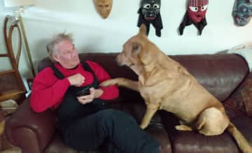 """""""Hey, Jeff, pay attention to me!"""" says Kaiser, """"I am smarter than your smart phone!"""""""