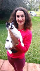 Anna with Oreo cat in Spain, during a long 40-days house sit in Andalucia, just 8 kilometers from Atlantic ocean