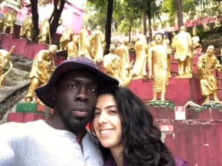 Remi and Catarina in Hong Kong, checking out all 10,000 Buddhas!