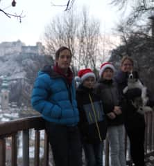 """Macher Family in front of the fortress """"Hohensalzburg"""""""