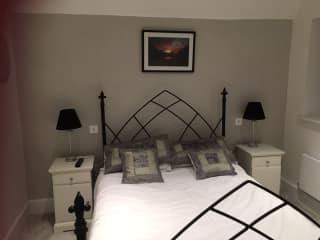 bedroom for sitter/s