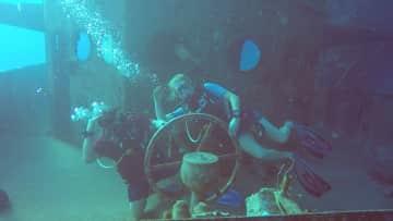 Scuba Diving Cayman wreck