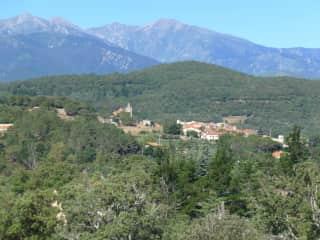 Oms village