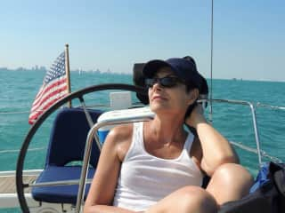 Robin sailing