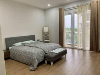 Master Bedroom (en-suite)