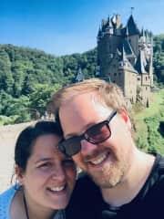 Lisa and me + Burg Eltz