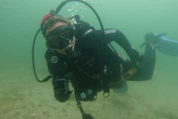 SIna Diving