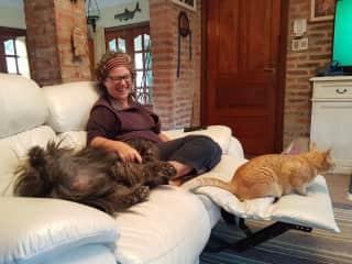 Tummy tickles, Meg and Ginger, Uruguay