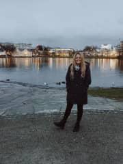 Madeleine travelling overseas