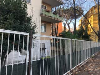 Ground floor with private garden in green part of Rome
