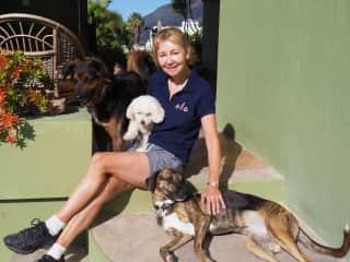 Jacqueline with Mimi, Preston and Gwen in Mexico