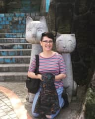 Me with cat sculptures in a visit to Taiwan, 2019.