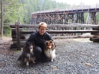 Heather, Indy& Rhue. Sitting in BC