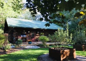 Point Clark Log Cabin  5 star Airbnb Host