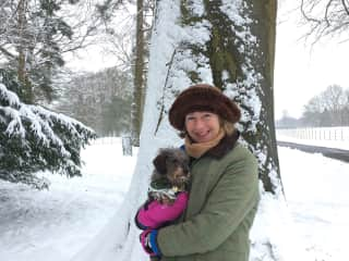 Damsel and Kate in the snow