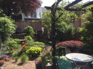 We love to garden!