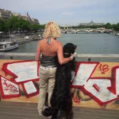 Mimi and Filou in Paris