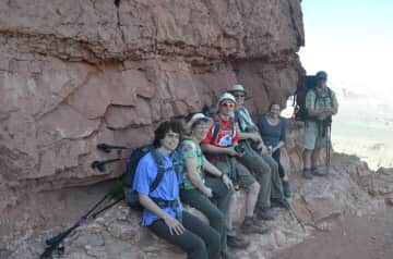 Grand Canyon hike with family and guide