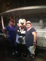 I love Disneyland!!