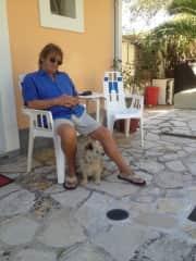 Making a friend in Paleokastritsa Corfu